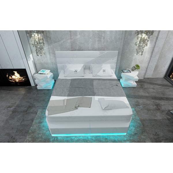 Poltrona di design ROYAL con illuminazione a LED e presa USB NATIVO mobili Italia